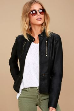 leather jacket outfit There is nothing quite like the open road and the Peace of Mind Black Vegan Leather Moto Jacket! Sleek vegan leather shapes this unique moto jacket with a co Black Leather Jacket Outfit, Suede Moto Jacket, Vegan Leather Jacket, Faux Leather Jackets, Tan Jacket, Leather Jackets For Women, Collarless Leather Jacket, Black Jackets, Biker Jackets