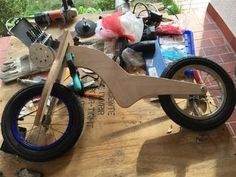 So I was busting my mind to find a perfect birthday present, and I decided to build a balance bike for a 2 year old.