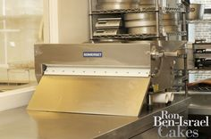 How do you roll your fondant? Pastry Art, Pastry Shop, Fondant Sheeter, Nyc Cake, Cake Decorating Equipment, Ron Ben Israel, Buddy Valastro, Cake Supplies, Baking And Pastry