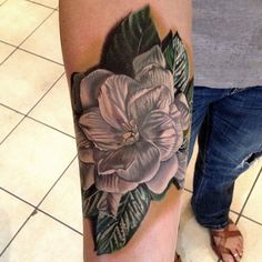Gardenia Tattoo by Phil Garcia I would love something with this effect. It looks like you should be able to actually touch the petals