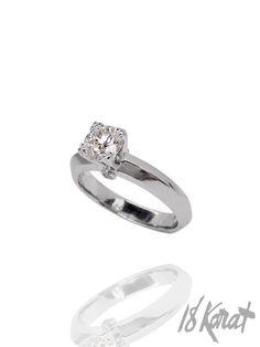 Meghan's Engagement Ring   18Karat