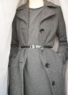 Kup mój przedmiot na #vintedpl http://www.vinted.pl/damska-odziez/plaszcze/11837587-vintagowy-szary-plaszcz-do-kolan