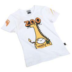 Today's Hot Pick :白色℃ 长颈鹿卡通人短袖T恤 http://fashionstylep.com/P0000IBI/goofa/out GOOGIMS动物园主题,清凉短袖隆重上市! 干净利落的线条,运动休闲两不误。 手臂处采用拼接设计出抓痕,新颖又个性。 长颈鹿造型的卡通人呆萌可爱,更显青春精彩! -圆领 -短袖 -抓痕 -卡通印花