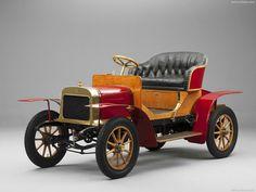 Skoda - 1905 LK Voiturette A - Technical Features & Pictures - Drivenapp. Old Classic Cars, Classic Trucks, Carros Retro, Car Man Cave, Veteran Car, Vintage Trucks, Auto Vintage, Car Images, Cute Cars