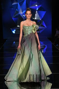 Abed Mahfouz Spring-summer 2009 - Couture - http://www.flip-zone.net/fashion/couture-1/independant-designers/abed-mahfouz-858