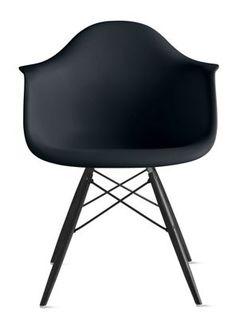 Eames®+Molded+Plastic+Dowel-Leg+Armchair+(DAW)