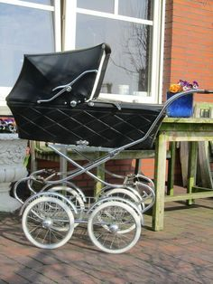 Dutch pram from the Pram Stroller, Baby Strollers, Vintage Pram, Prams And Pushchairs, Retro Baby, Baby Prams, Be My Baby, Baby Carriage, Baby Gear