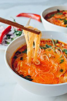 15 Minute Coconut Curry Noodle Soup Recipe