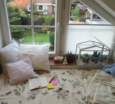 studyingwithcat:  Oct 25 - Let's just appreciate my reading spot Okay, still 100 pages of this freakin drama to go. Wish me luck.