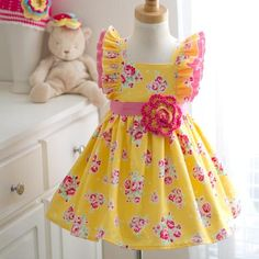 This lovely yellow rose vintage style handmade girls dress is back. Nobody else can offer you a brighter and friendlier yellow color then this japanese fabric company. This vintage style inspired patt Frocks For Girls, Little Dresses, Little Girl Dresses, Nice Dresses, Long Dresses, Dress Long, Pagent Dresses, Vintage Girls Dresses, Dresses Dresses