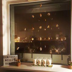 Christmas - Window decoration Xmas golden miracle Christmas Window Decorations, Chandelier, Xmas, Windows, Ceiling Lights, Lighting, Create, Home Decor, Candelabra