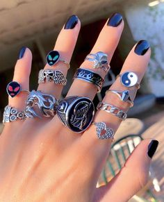 Nail Jewelry, Cute Jewelry, Jewelry Accessories, Body Jewelry, Jewelry Art, 00s Mode, Grunge Jewelry, Nail Ring, Accesorios Casual