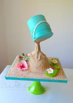Il y a le soleil, la mer, le soleil et le gravity cake. Tout ça en pâte à sucre !