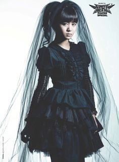 you look great in bloodstains Japanese Beauty, Japanese Girl, Baby Metal, Moa Kikuchi, Punk, Heavy Metal Bands, Famous Girls, Kawaii Fashion, Lolita Fashion