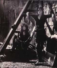 Sisters of Mercy.. one of my favourite 80s goth bands (I have a few!)