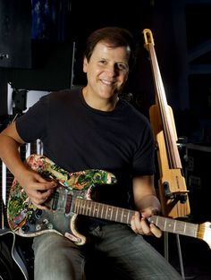 Trevor Rabin Guitar Rig, Guitar Players, Yes Music, Psychedelic Bands, Music Pics, Fender Stratocaster, Progressive Rock, Classical Music, Rock Music