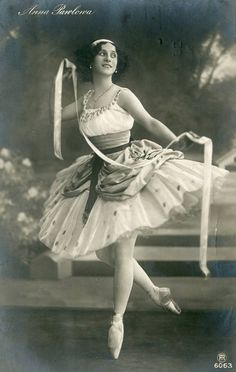 Explore the best Anna Pavlova quotes here at OpenQuotes. Quotations, aphorisms and citations by Anna Pavlova Anna Pavlova, Ballet Vintage, Vintage Dance, Famous Ballet Dancers, Famous Ballets, Photo Vintage, Russian Ballet, Ballet Photography, Ballet Costumes