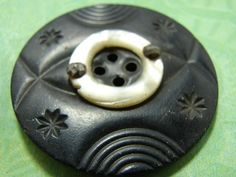 Large Antique Carved Horn & Mother of Pearl Button in Antiques, Sewing Buttons Sewing Notions, Sewing Tools, Shell, Get Happy, How To Make Buttons, Mother Of Pearl Buttons, Vintage Buttons, Buttonholes, Pin Cushions