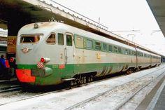 Intercity Roma – Perugia, effettuato con l'elettrotreno ETR 226 costruito nel 1939 (già ETR 213 e così trasformato nel 1961), a Roma Termini il 30 marzo 1995 - (Foto: Riccardo Genova)