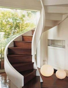 Spiral staircase design is commonly built to represent the luxurious accent in the house also one of many solution to saving space. With spiral shape of stairs, it can be placed in the corner or ev… Staircase Design Modern, Spiral Stairs Design, Staircase Architecture, Modern Home Interior Design, Architecture Design, Stair Design, Painted Staircases, Spiral Staircases, Winding Staircase