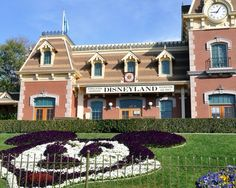 10 essential tips for visiting Disneyland Anaheim