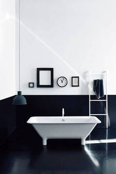 25 Bathrooms That Have Perfected Minimalism
