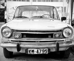 Would love to have an old car like this!