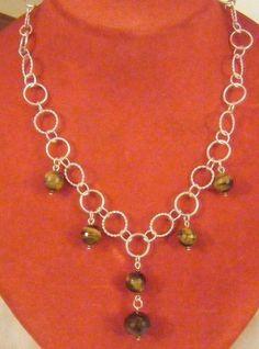 collana con catena in argento e pietre dure