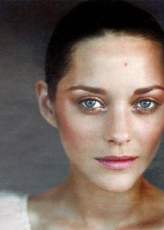 Marion Cotillard makeup