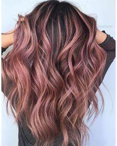 Rose Gold Hair Brunette, Pink Ombre Hair, Hair Color Pink, Hair Color And Cut, Rose Gold Bayalage, Cute Hair Colors, Pretty Hair Color, Cabelo Rose Gold, Balage Hair