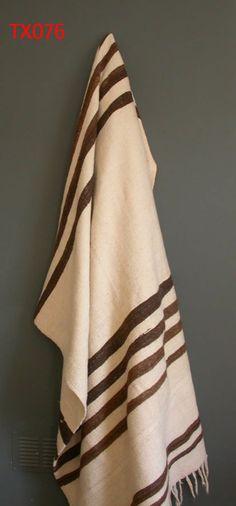 Vintage berber blanket. www.larusi.com