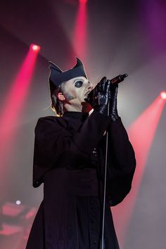 Ghost Interview: How Tobias Forge designed the face of the new generation of heavy metal Band Ghost, Ghost Bc, Scary Ghost Pictures, Ghost Photos, Gettysburg Ghosts, Real Haunted Houses, Paranormal Photos, Real Ghosts, Ghost Hunting