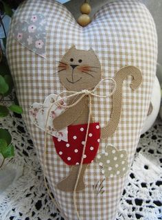Sewing Crafts, Sewing Projects, Baby Barn, Fabric Hearts, Felt Christmas Decorations, Cat Quilt, Bunny Crafts, Sewing Appliques, Wool Applique