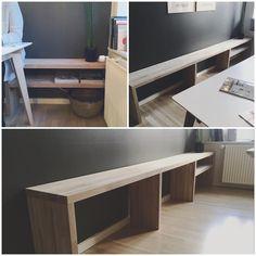 Med stor inspiration fra @nybyggerne_manneogfrederik har min dygtige kæreste og jeg bygget denne flotte bænk til vores smalle køkkenallerum, så man kan sidde på begge sider af vires spisebord og stadig komme forbi ☺️ Nu mangler der bare lidt hygge