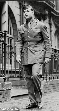 Exactly one month after America declared war on Japan, following the attack on Pearl Harbour, the heavyweight champion of the world walked into a US Army Camp near New York to voluntarily enlist as a private.