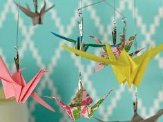 origami facile en papier  multicolore en forme de grue