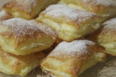 Receta Miguelitos Mexican Food Recipes, Sweet Recipes, Cuban Cuisine, Brunch, Spanish Dishes, Puff Pastry Recipes, Pan Dulce, Pie Dessert, Beignets