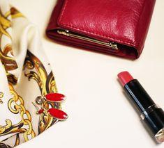 Rot ist das neue schwarz :dancer::exclamation::high_heel:   ---------------------------------------------------------  #jewelry #jewellery #jewelrydesign #jewelryoftheday #rings #sterlingsilver #golden #accessories #rotistneueschwarz #shoponline #inneed #munich #berlin #hamburg #vienna #fashionaddict #fashionjewelry #koralle #needs #fashionblogger_de #fashionblogger_at #lessismore #schmuck #silberschmuck #promi #vintage #trendy High Heel, Bags, Vintage, Fashion, Fashion Styles, Silver Bangles, Silver Jewellery, Earrings, Armband