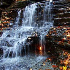 Eternal Flame Falls; Chestnut Ridge Park, New York | 18 Amazing And Surreal Natural Phenomena That Occur On Earth