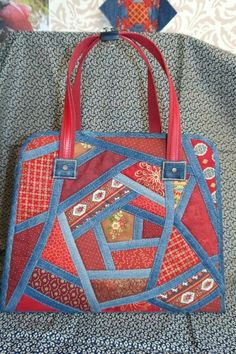 Patchwork Bags, Quilted Bag, Recycle Jeans, Bag Patterns To Sew, Denim Bag, Handmade Bags, Quilt Making, Hand Sewing, Purses And Bags