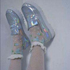 Картинка с тегом «aesthetic, shoes, and holographic»
