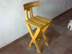 Banqueta, compañera de la mesa de diseño. Bench with wood pallets.