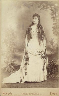 "Nellie Melba as Ophelie in Thomas's ""Hamlet"", ca. 1889-1890 / photographer Benque, Paris"