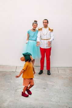 How To Make A Family Cinderella Costume | studiodiy.com Cinderella Halloween Costume, Family Halloween Costumes, Diy Halloween, Diy Couples Costumes, Family Costumes, Prince Charming Costume, Blue Tulle Skirt, Red Chinos, Costume Tutorial