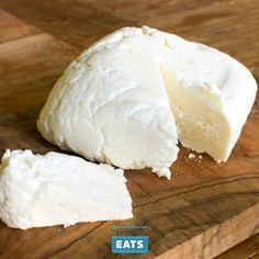 Easy Queso Fresco or Paneer - Queso fresco is a delicious, milky, fresh cheese that is a breeze to make. It doesn't melt, so it's a great cheese for grilling in cubes or slices, and is awesome crumbled over soups or salads. Fresh Cheese Recipe, Homemade Cheese, Cheese Recipes, Cooking Recipes, Easy Cheese, How To Make Cheese, Making Cheese, Fromage Cheese, Farmers Cheese