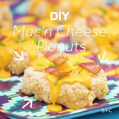 Save this creative and easy recipe to learn how to make Mac + Cheese Donuts. (Fitness Recipes How To Make) Best Mac N Cheese Recipe, Mac And Cheese, Donut Recipes, Cooking Recipes, Yummy Food, Tasty, Food Videos, Recipe Videos, Creative Food