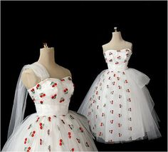 Vintage 1950s Strapless Tulle Wedding Dress, Embroidered Strawberries XS