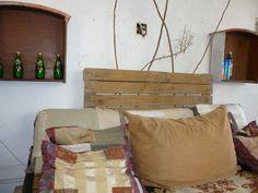 o estranhamento indica o caminho do novo Outdoor Chairs, Outdoor Furniture, Outdoor Decor, Everything Must Change, Throw Pillows, Bed, Home Decor, Toss Pillows, Decoration Home