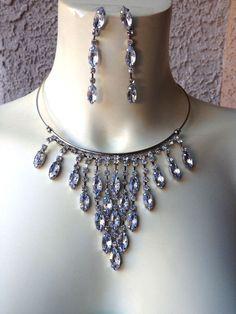 HERE'S YOUR CHANCE TO #BID! #Rhinestone #SilverToned #Necklace & #Earring Set #WomensJewelry #Set STUNNING! #ebay #shop #necklaceset #bib #necklacebib #statementnecklace #onlineshopping #bidnow #auction #jewelry