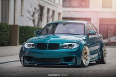 Black frame wall and glass as a room separator Bmw 1m, 3 Bmw, Tuning Motor, Car Tuning, Bmw Performance, 135i, Bmw 1 Series, Bmw Classic, Cars